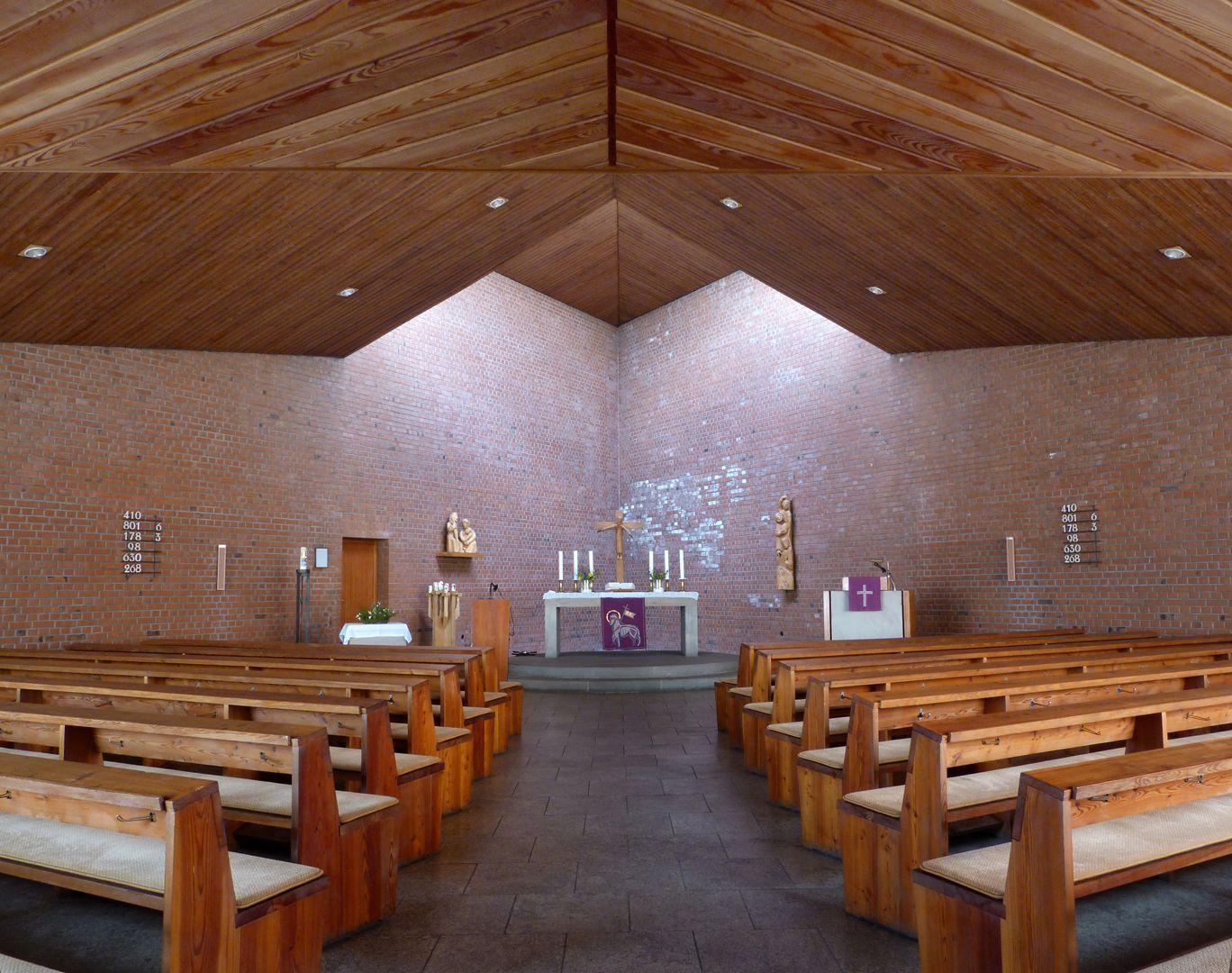 Himmelfahrtskirche Blick nach Norden zum Altarraum
