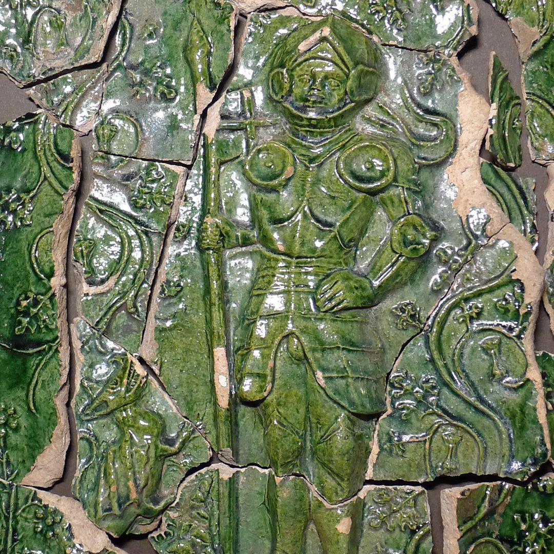 Maria, St. Georg und Friedrich III. (Prunkkachelofen) Kachelfragmente mit dem heiligen Georg und dem Drachen, Detail