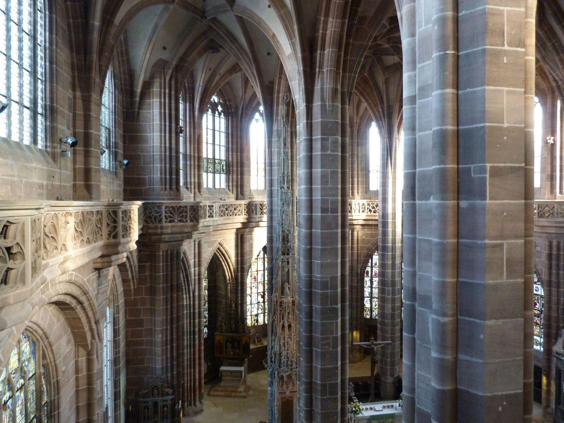 St. Lorenz, Chor Innenansicht vom nördlichen Laufgang aus