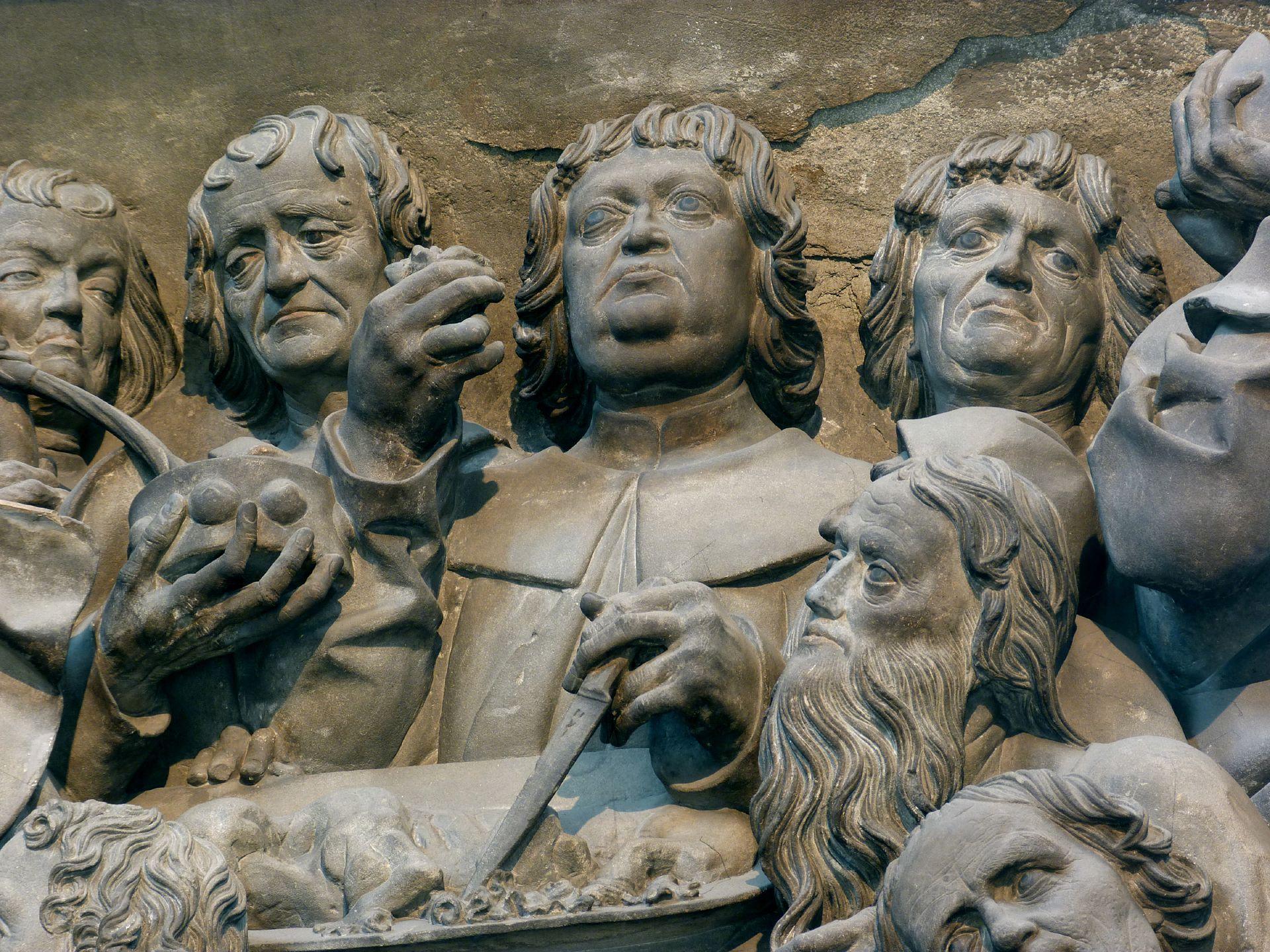 Volckamersche Gedächtsnisstiftung, Reliefplatten Letztes Abendmahl, Detail: Apostelgruppe um das Passahlamm