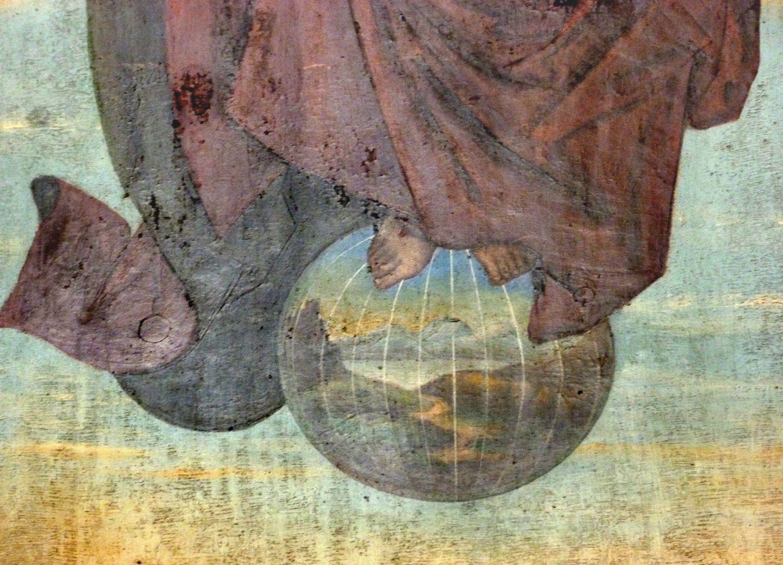 Zwickauer Hochaltarretabel Schrein, Rückseite, Christus als Richter auf dem Regenbogen, Detail mit Weltkugel