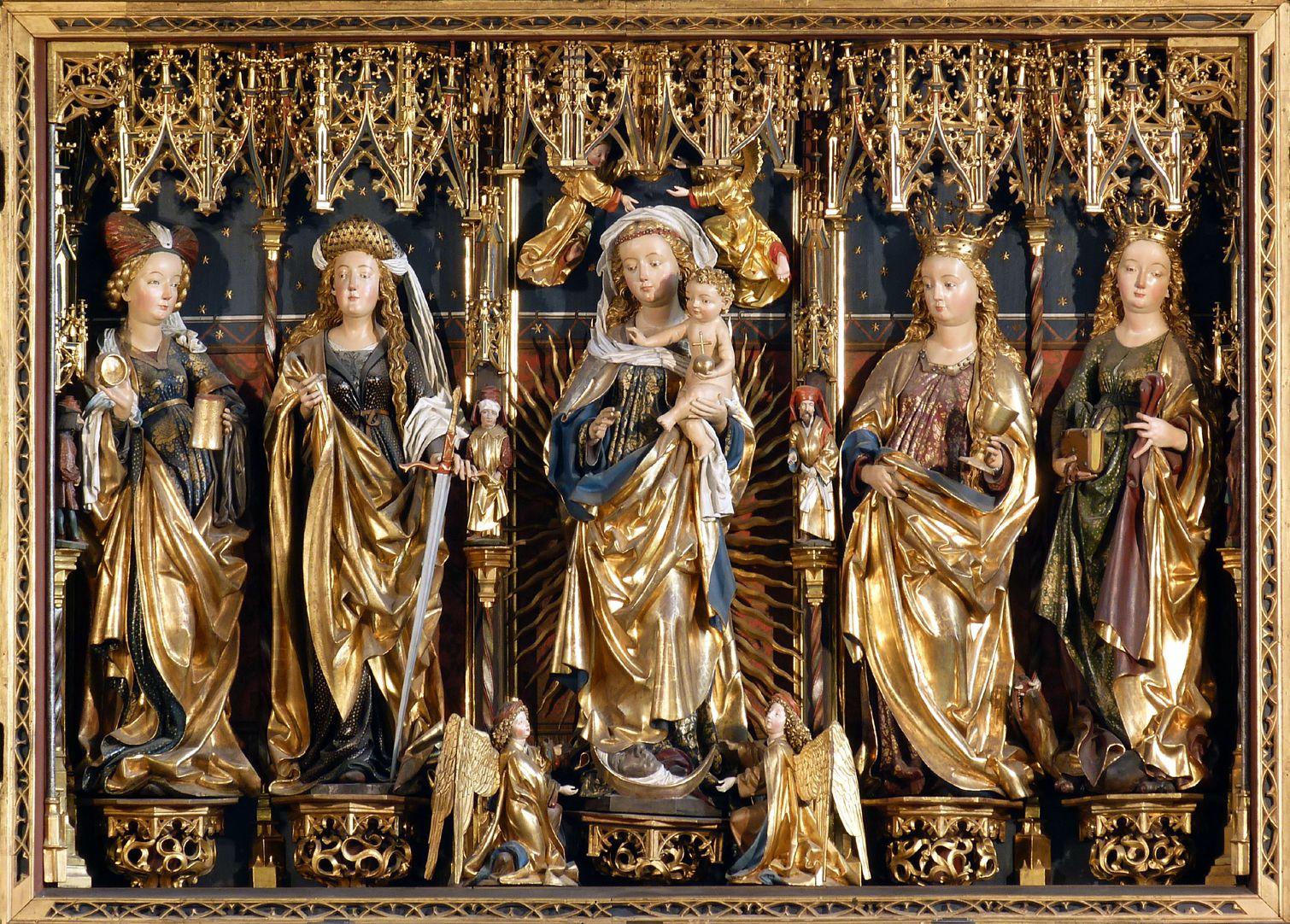 Zwickauer Hochaltarretabel Schrein, von l. nach r. : Maria Magdalena, Katharina, Maria mit dem Jesuskind, Barbara und Margarethe – dazwischen kleine Propheten?