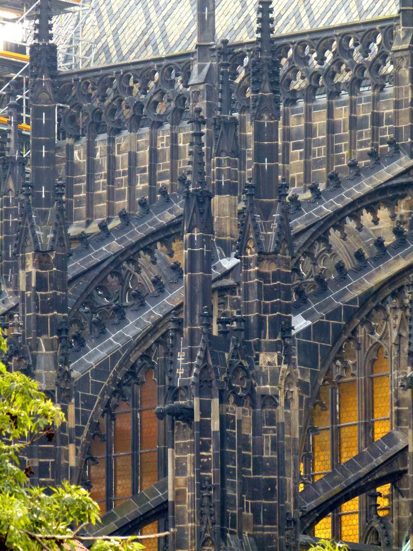 Prag, Veitsdom Hochchor, Strebewerkdetail von NW zweite Hälfte 14. Jh.