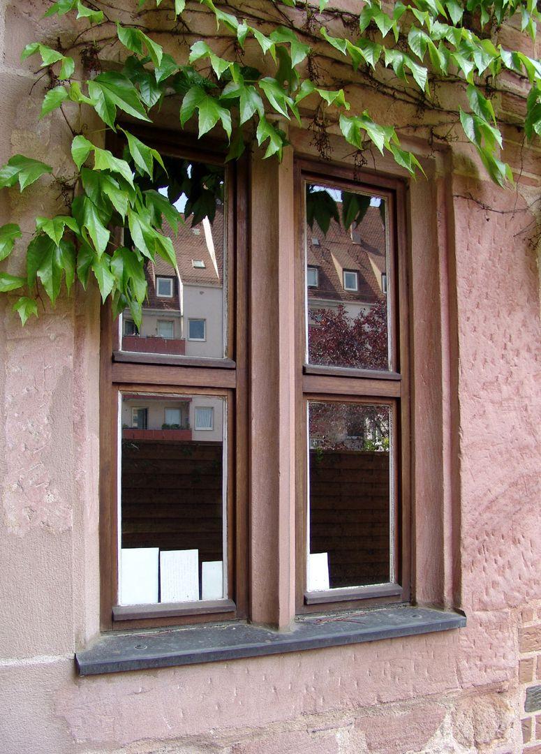 Haus Obere Krämersgasse 12 (Privatbesitz, nicht zu besichtigen) Seitenflügel, 1. OG. man beachte den erhaltenen Fenstermittelpfosten (wie ursprünglich an der Hauptfassade).