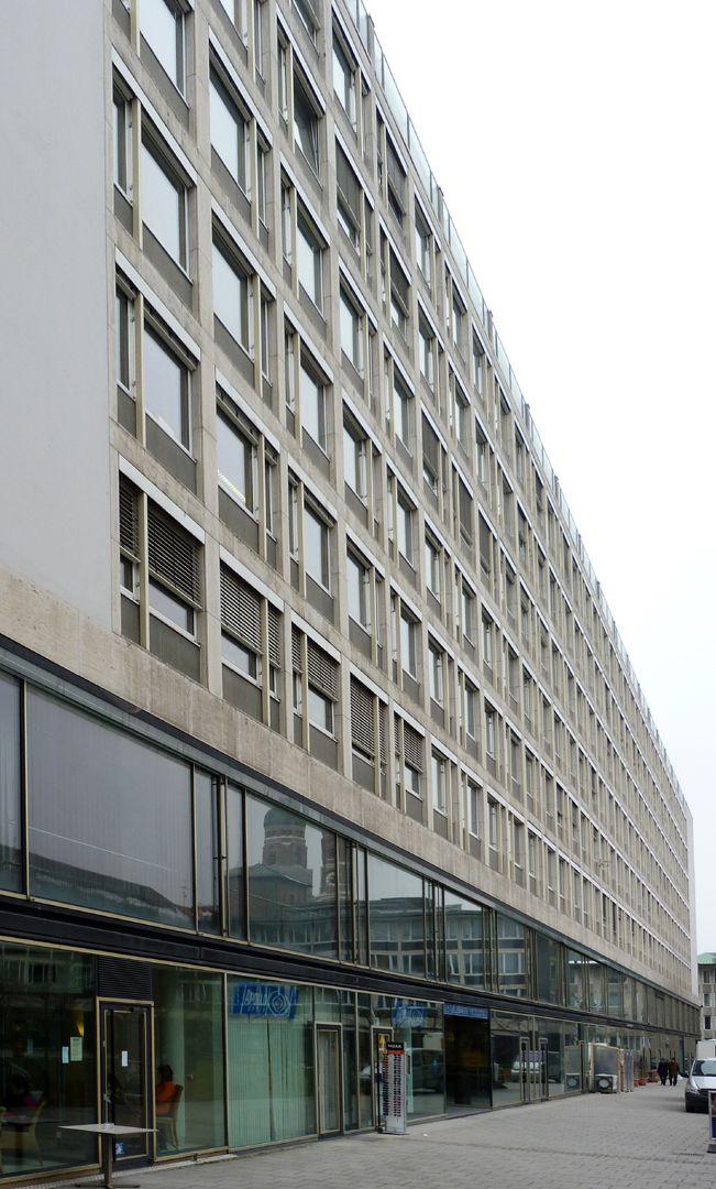 Herzog-Max-Burg, München, Justizgebäude Hauptgebäude, Fassadenflucht in der Innenhofseite