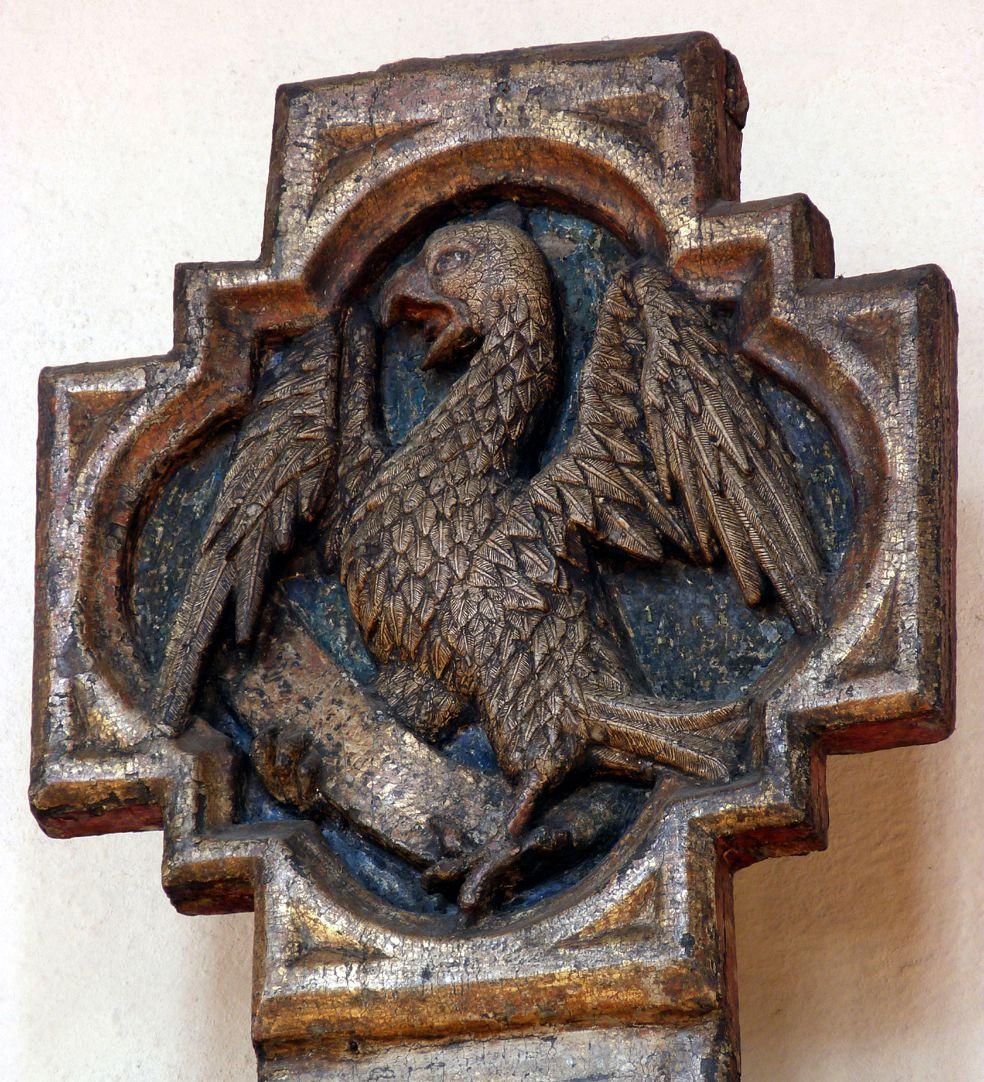 Kruzifix Kreuzbalkenhaupt, Reliefrahmen mit Johannesadler