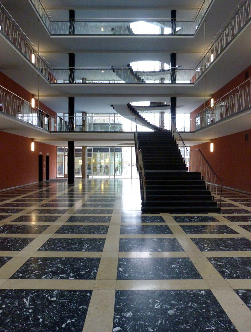 Herzog-Max-Burg, München, Justizgebäude Kopfbau, EG, Blick zum Treppenhaus
