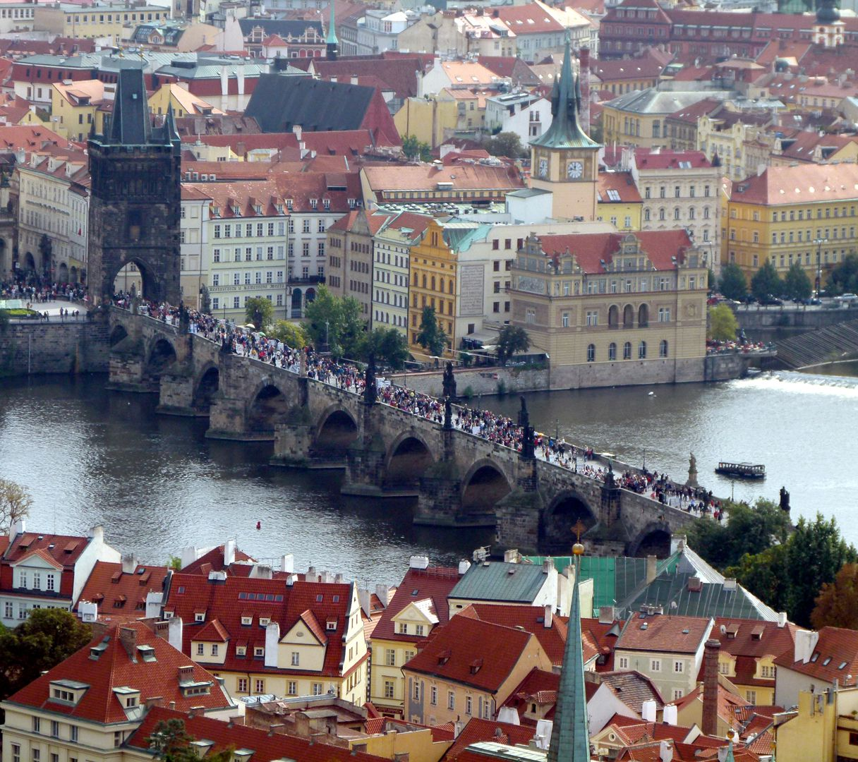 Prag, Karlsbrücke vom Hradschin aus gesehen
