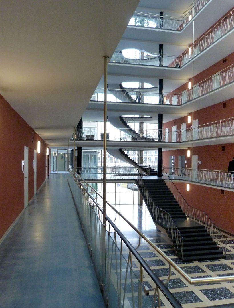 Herzog-Max-Burg, München, Justizgebäude Blick vom Gang im 1. OG in Richtung Treppenhaus