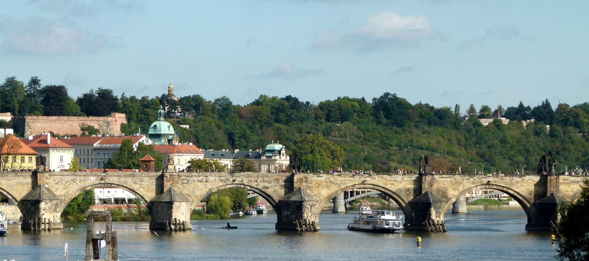 Prag, Karlsbrücke Karlsbrücke von S