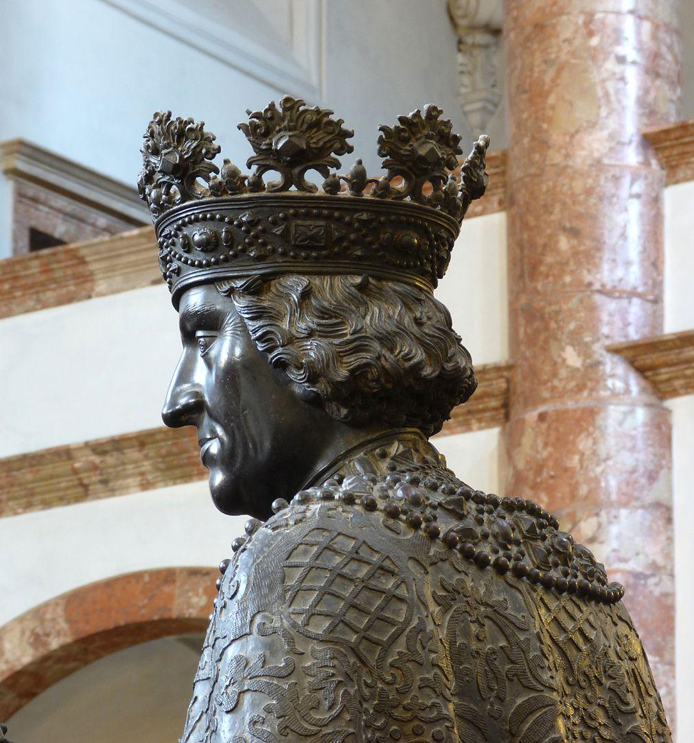 Albrecht I. (Innsbruck) Schulter und Kopf in schräger Hinteransicht