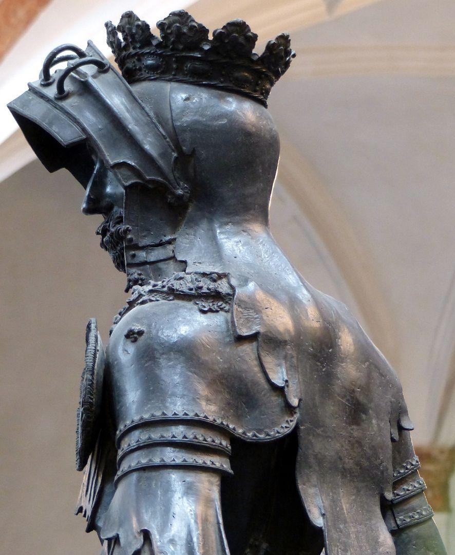 Albrecht von Habsburg (Innsbruck) Schrägansicht mit Kopfprofil