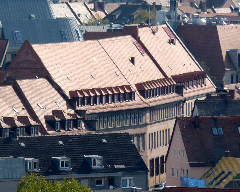 Arbeitsamt Dach