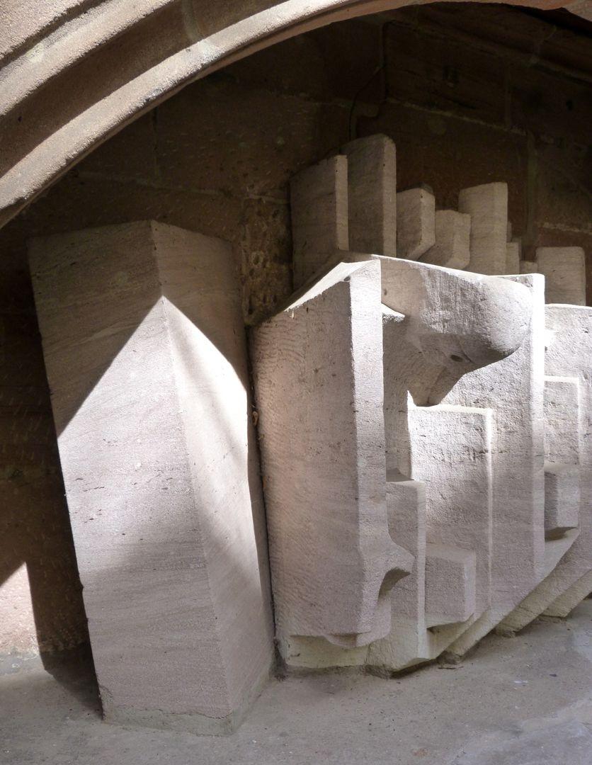 Auferstehung Detail: angelehnter Stein und Auferstandener