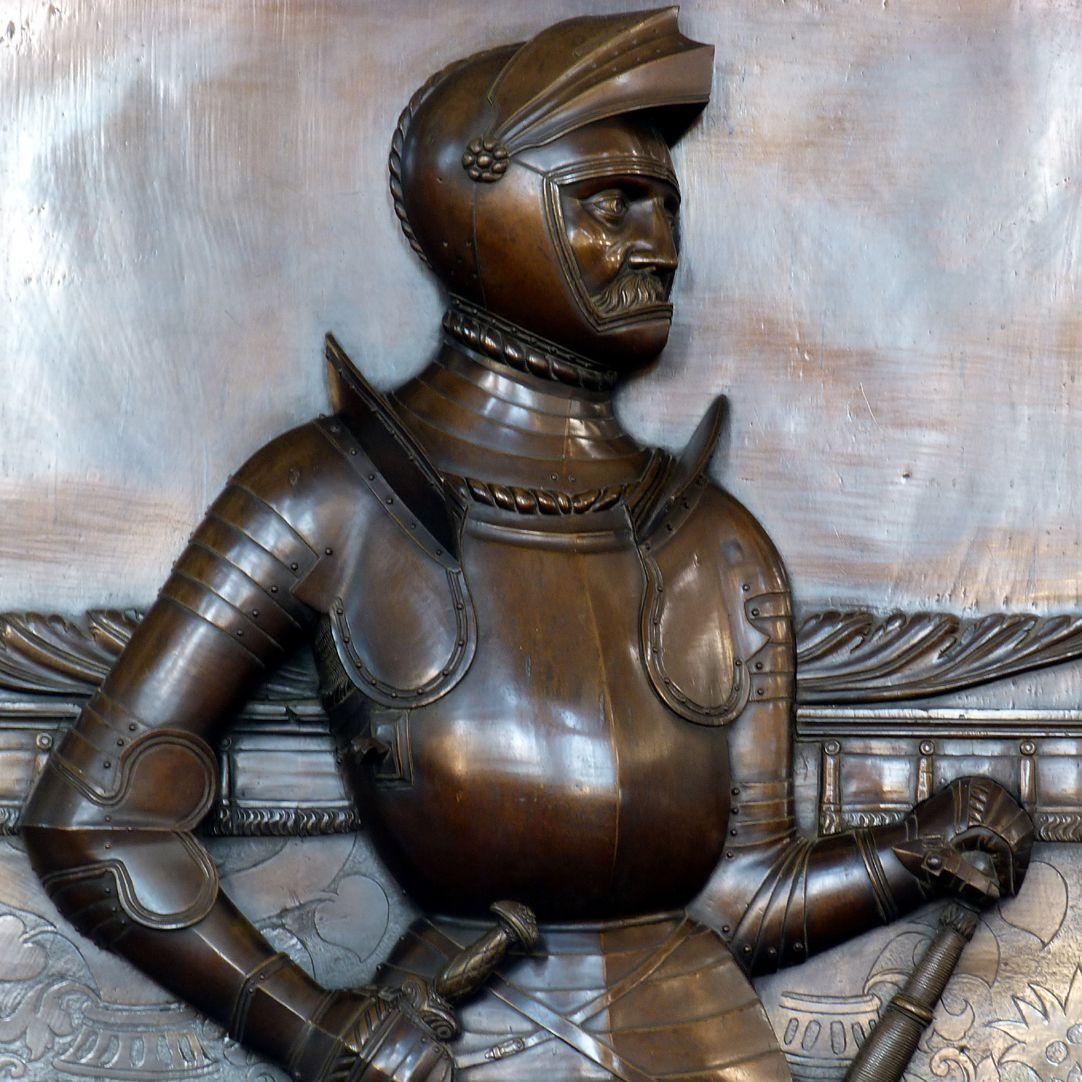 Epitaph des Gottfried Werner Graf von Zimmern (Meßkirch, Baden-Württemberg) Der gräfliche Ritter von Zimmern in Rüstung, Oberkörper