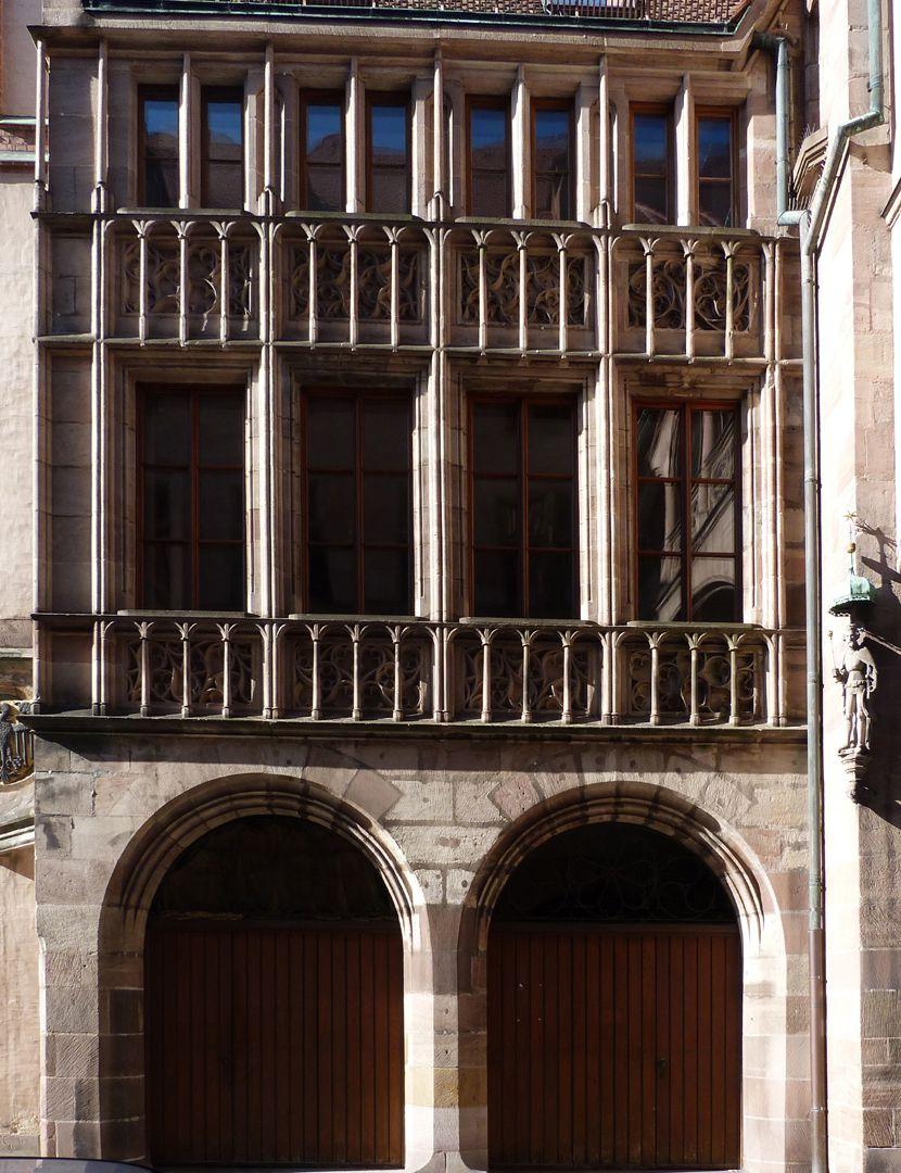 Ratsstubenbau Fassade der Ratsstube mit den Durchfahrtsarkaden