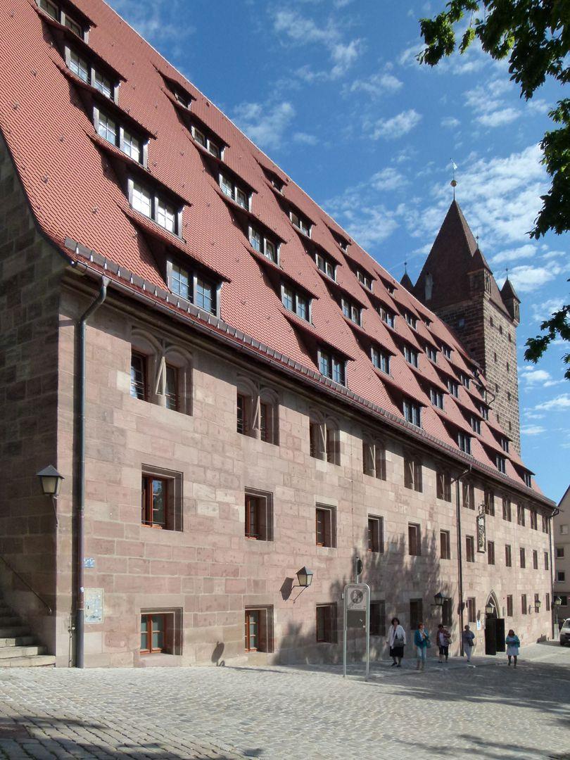 Kaiserstallung Südfassade