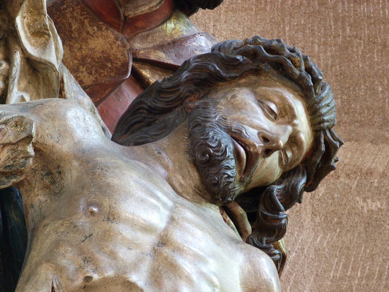 Große Pietà Oberkörper Jesu