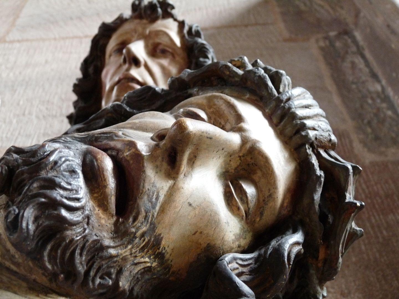Große Pietà Gesichter von Jesus und Johannes