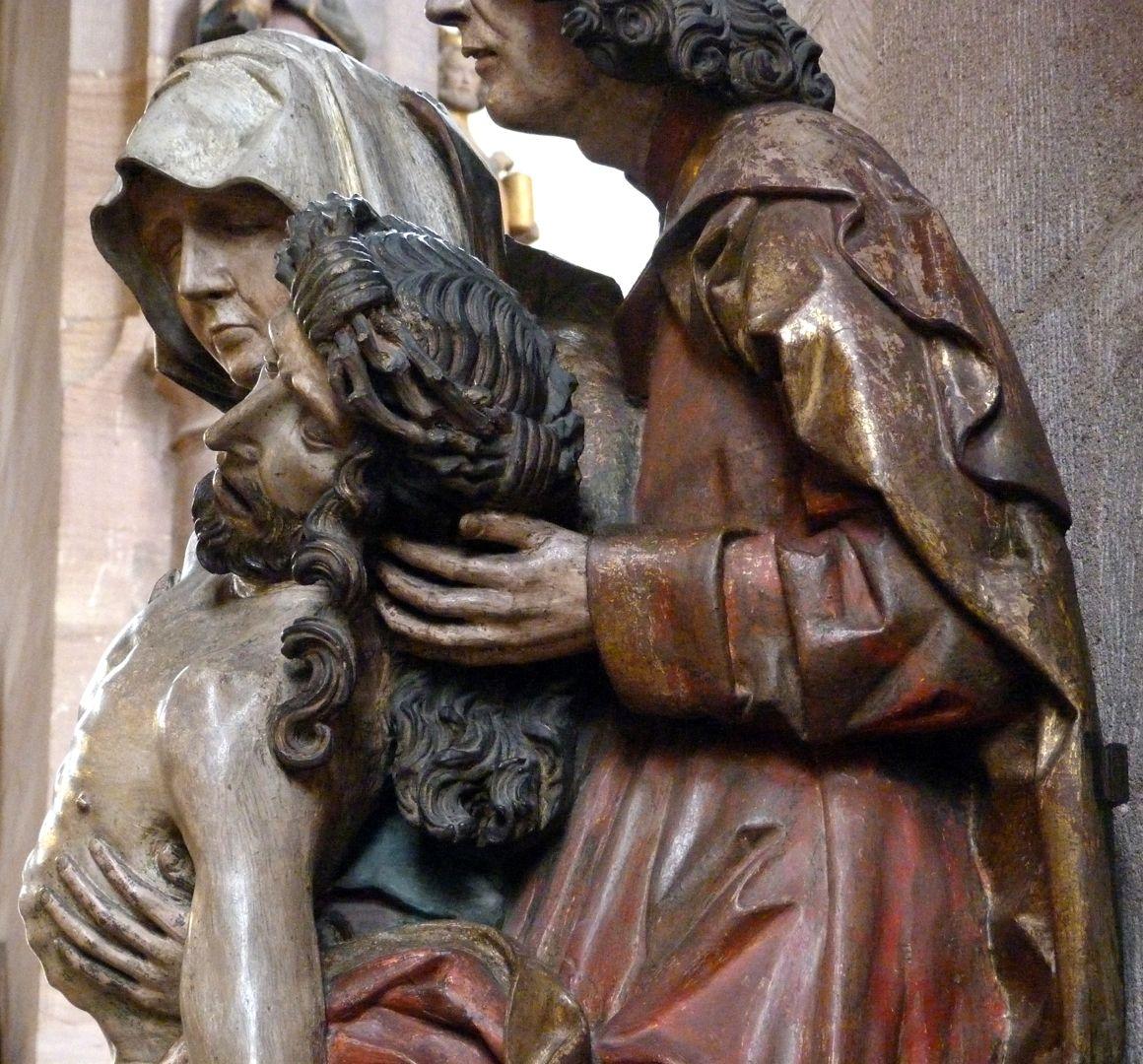 Große Pietà seitliche Ansicht von rechts, obere Hälfte