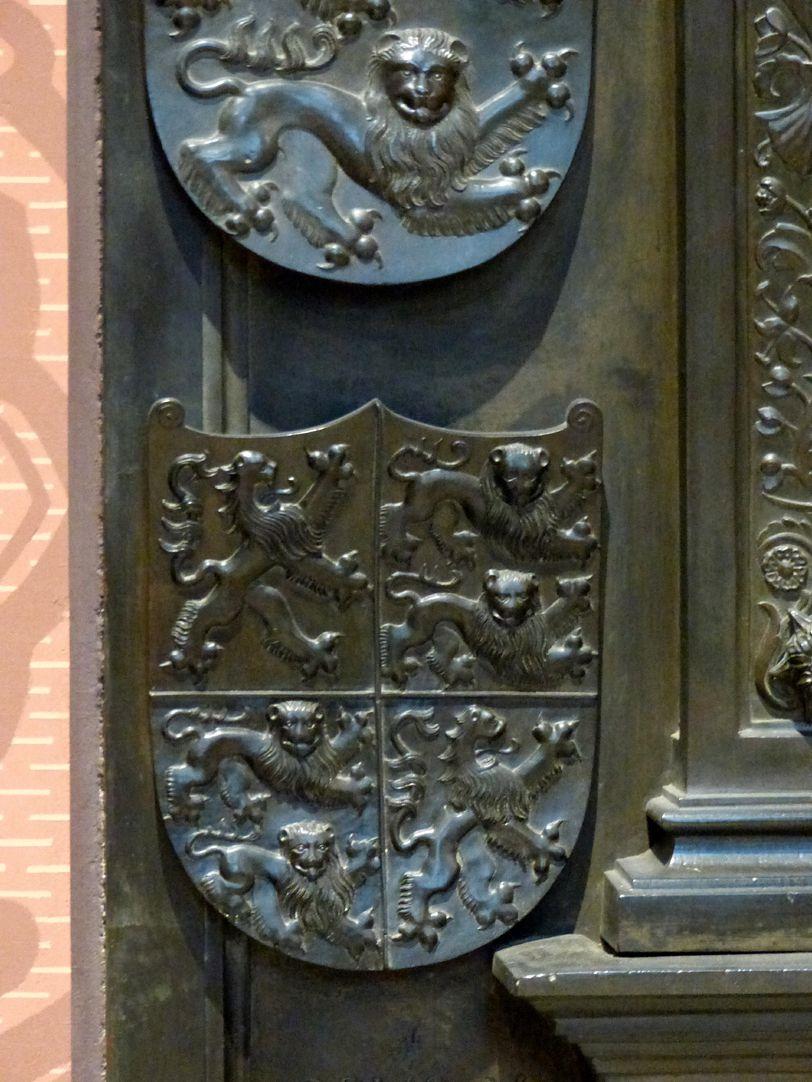 Grabmal Friedrichs des Weisen (Wittenberg) Grabplatte, unterstes Wappen von links