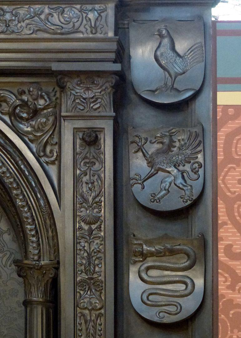 Grabmal Friedrichs des Weisen (Wittenberg) Grabplatte, oberer rechter Bereich, Wappen: Henneberg, Pommern und Visconti