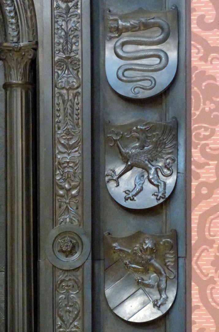 Grabmal Friedrichs des Weisen (Wittenberg) Grabplatte, Detail der rechten Wappenreihe