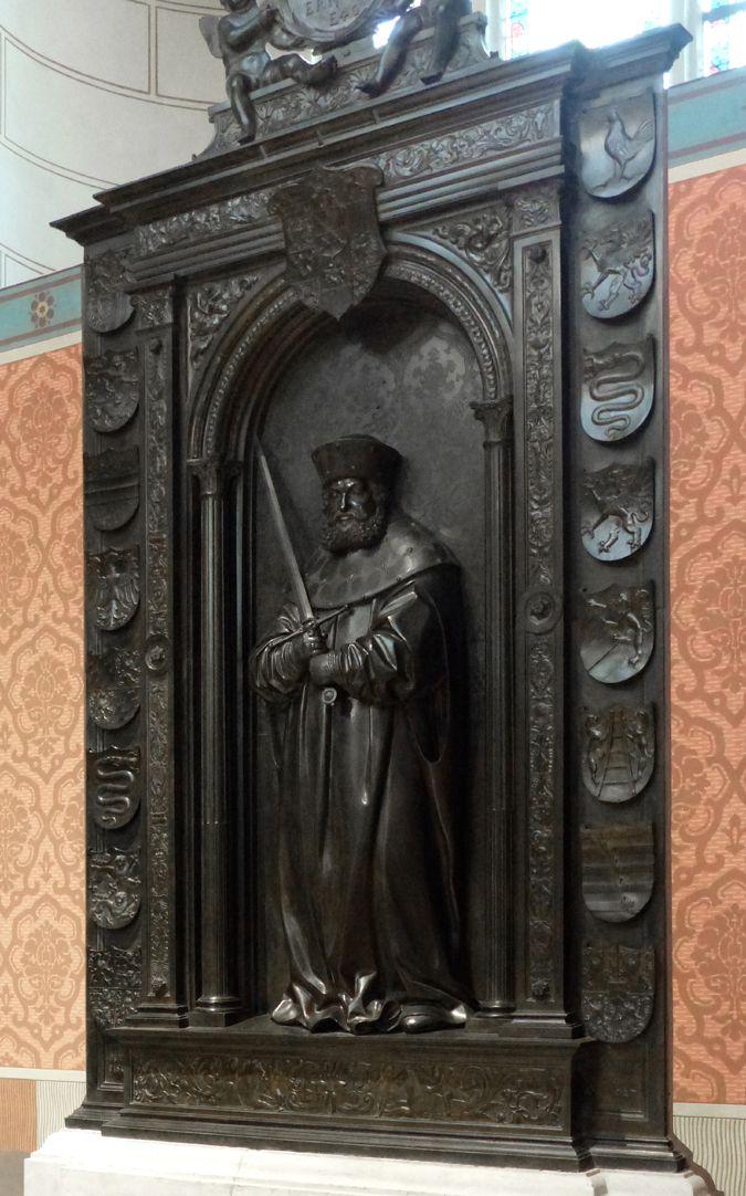 Grabmal Friedrichs des Weisen (Wittenberg) Schrägansicht