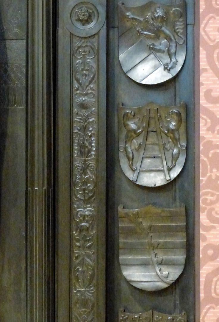 Grabmal Friedrichs des Weisen (Wittenberg) Grabplatte, Detail der rechten Wappenreihe: mitte Von der Laitter, unten Sachsen