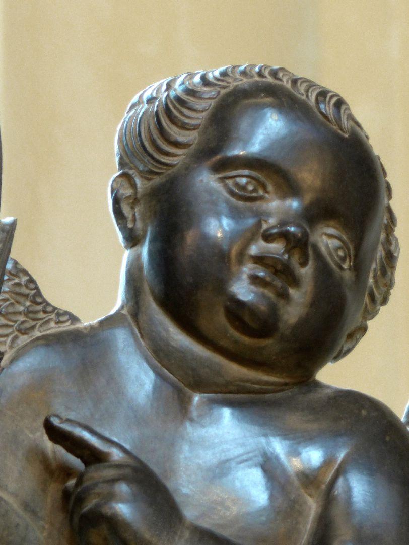 Grabmal Friedrichs des Weisen (Wittenberg) rechter Engel, Detail