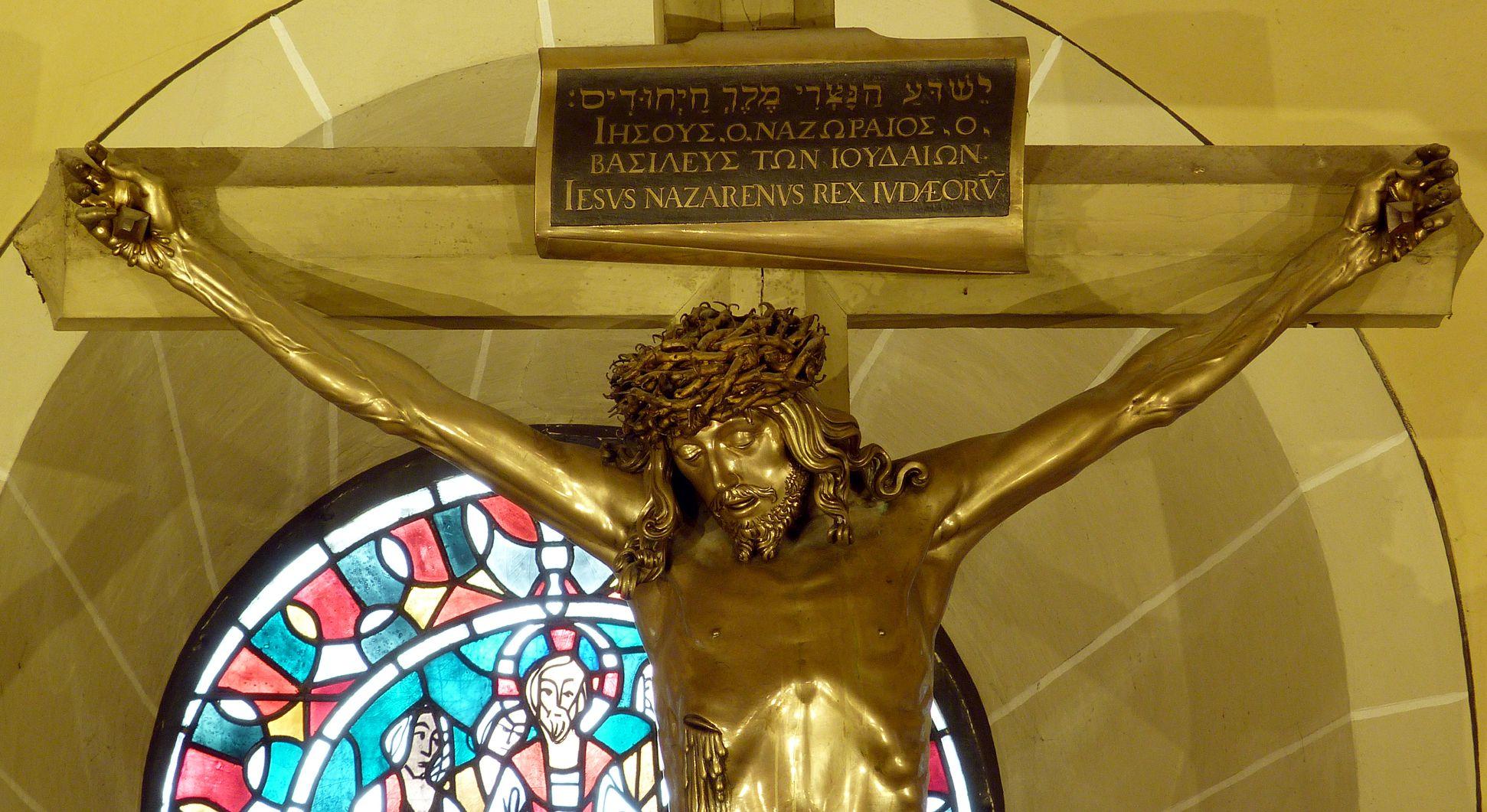 Kruzifix Oberkörper mit Inschrifttafel