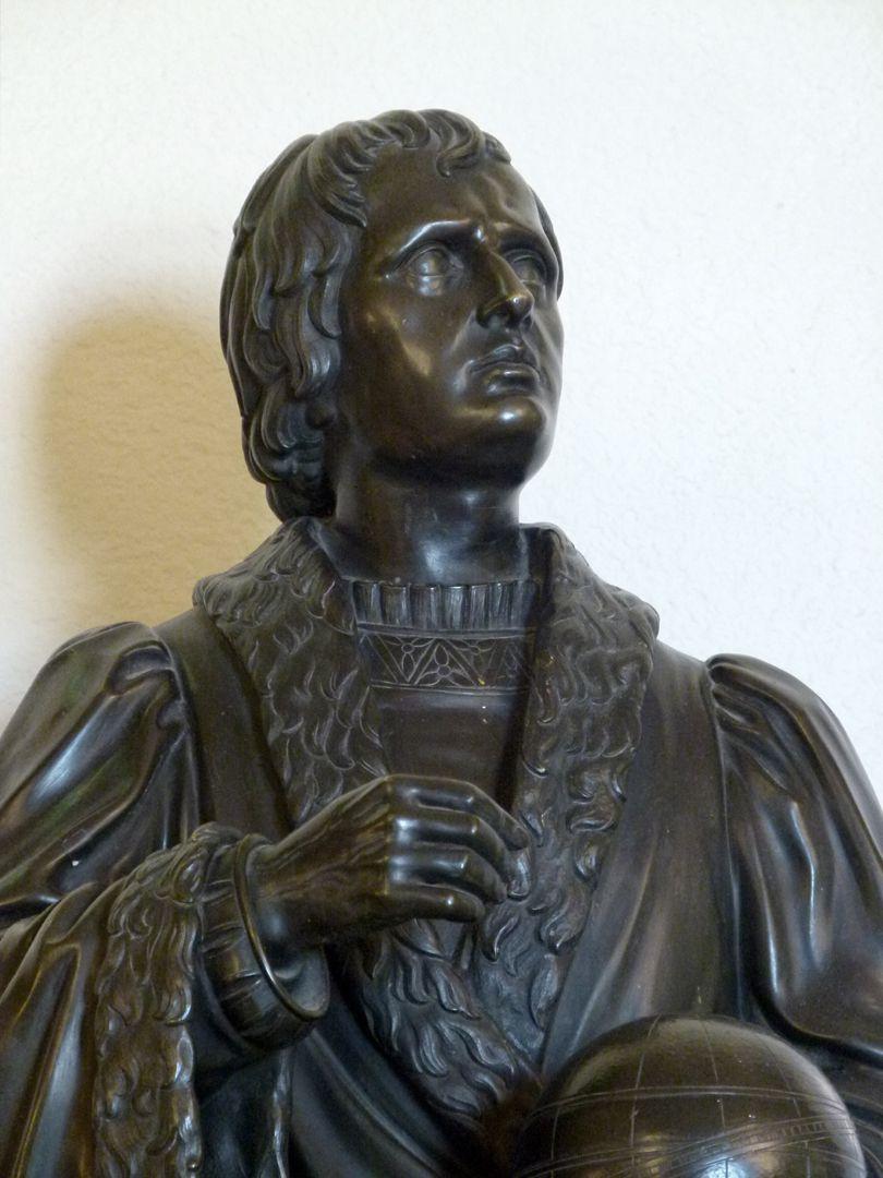 Statuette Regiomontanus Detail