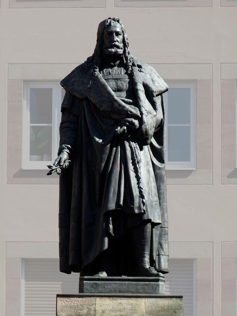 Albrecht-Dürer-Denkmal Frontalansicht
