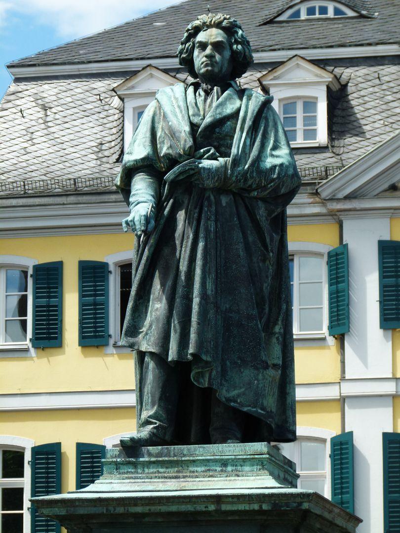 Beethoven-Denkmal (Bonn) Standfigur
