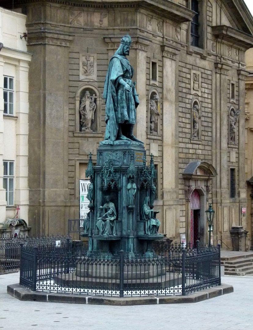 Denkmal Karl IV. (Prag) Gesamtansicht