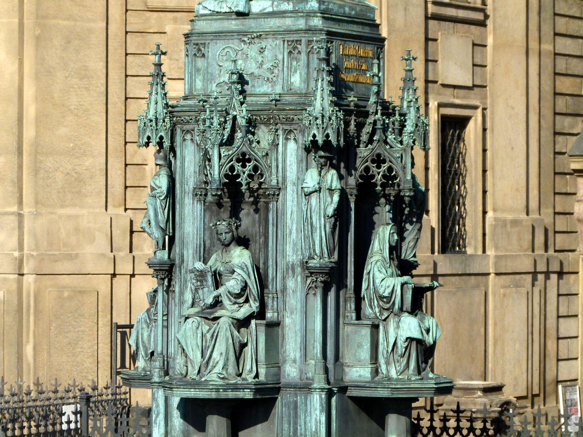 Denkmal Karl IV. (Prag) Podest