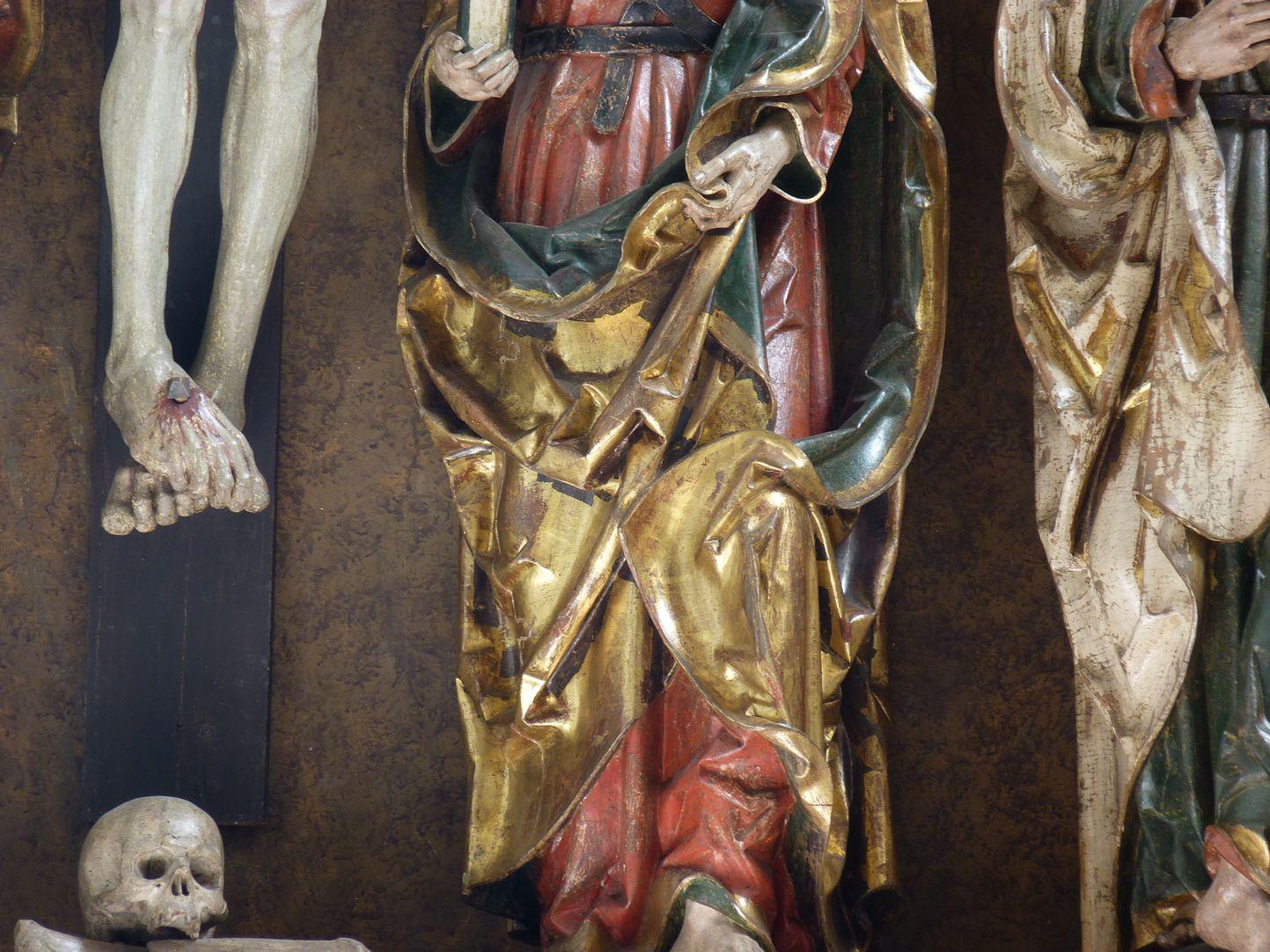 Hochaltar der Johanneskirche (Crailsheim) Schrein, Detail, unter dem Kreuz Adamsschädel