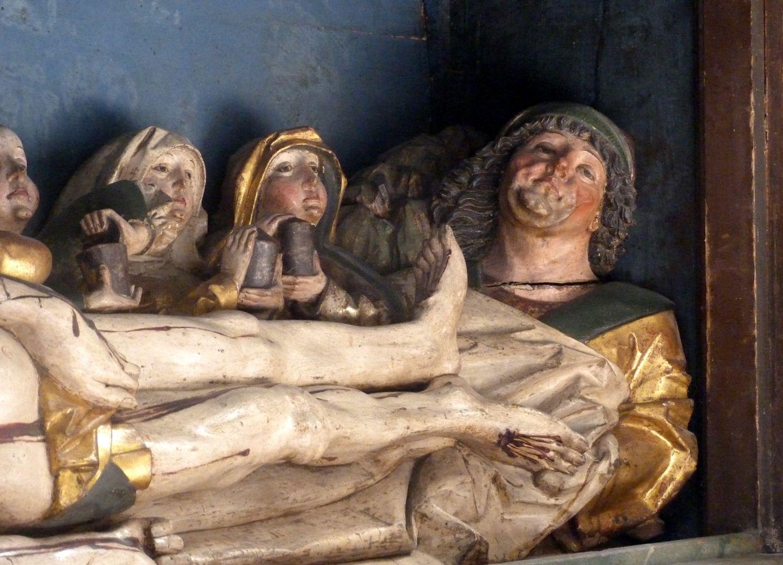 Hochaltar der Johanneskirche (Crailsheim) Predella, Beine Christi, zu seinen Füßen Nicodemus