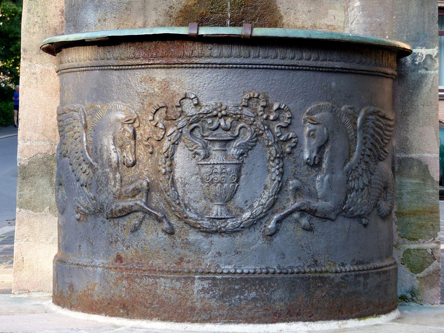 Dürer-Pirckheimer-Brunnen nördliches Becken