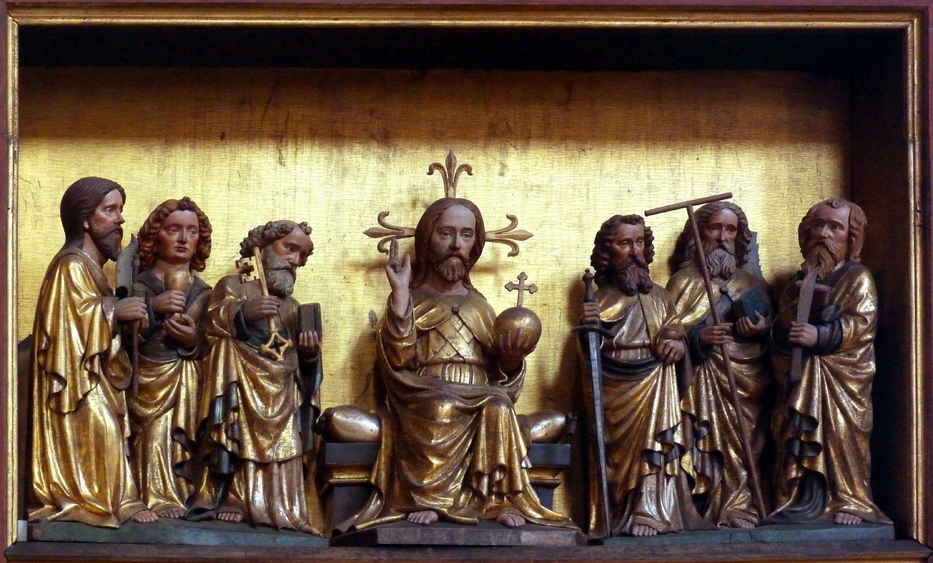 Deocarusaltar Mittelschrein, oben, Christus zwischen sechs Boten