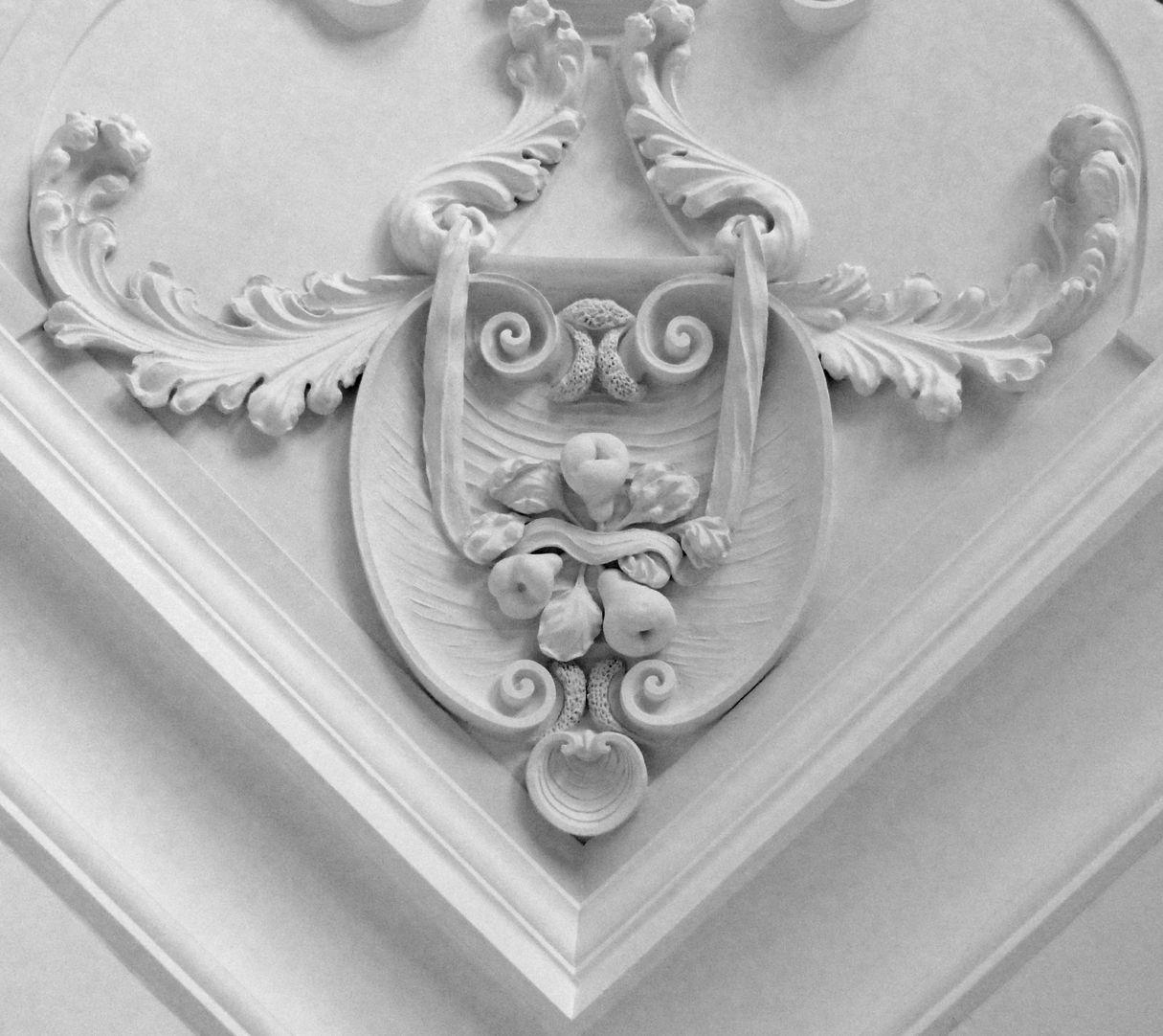 Stuckdecke aus dem Gartensaal des ehemaligen Merkelschen Anwesen Detail der südwestlichen Zimmerdecke