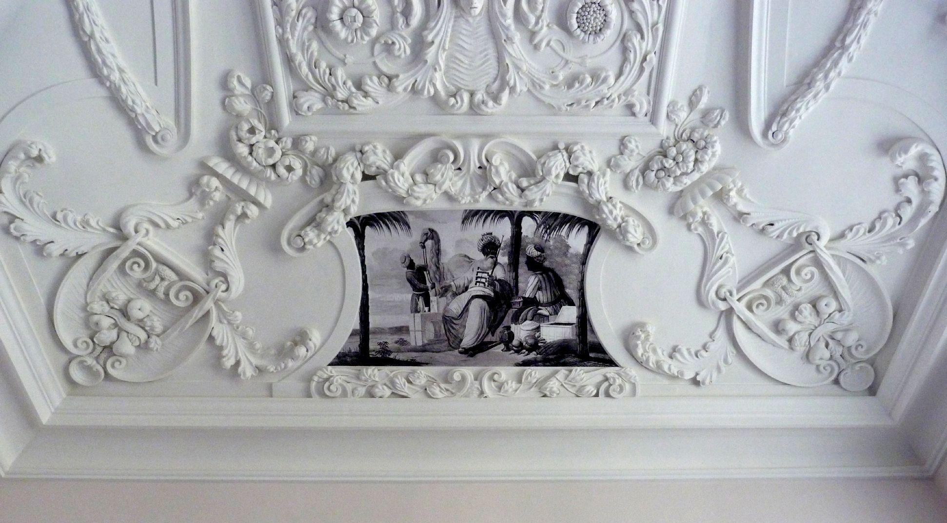 Stuckdecke aus dem Gartensaal des ehemaligen Merkelschen Anwesen westliche Stirnseite
