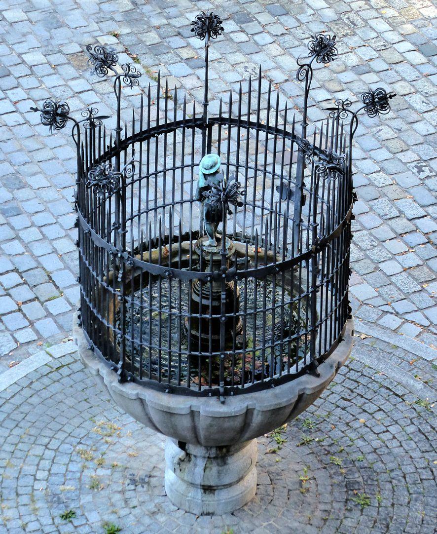 Dudelsackpfeiferbrunnen Aufsicht von Nord