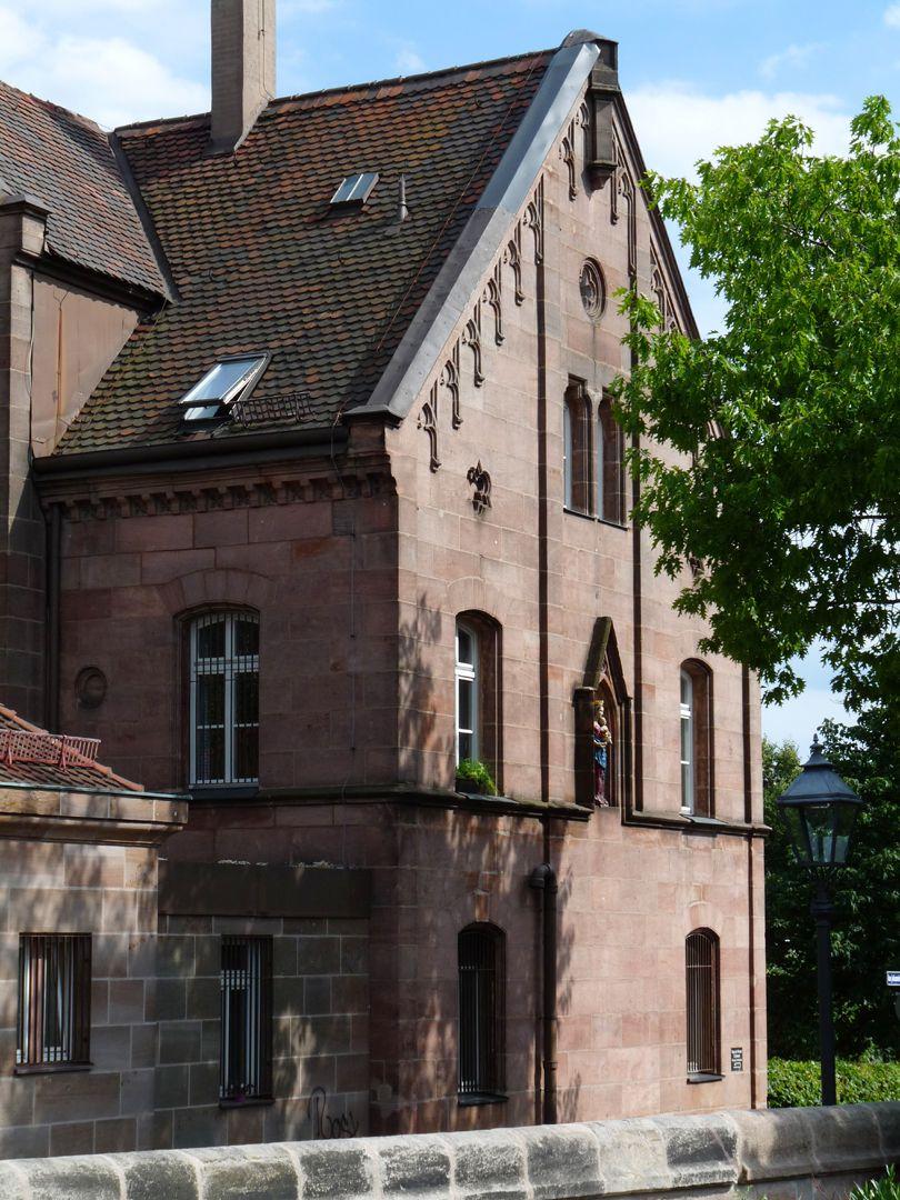 Pfarrhaus am Johannisfriedhof Westgiebel