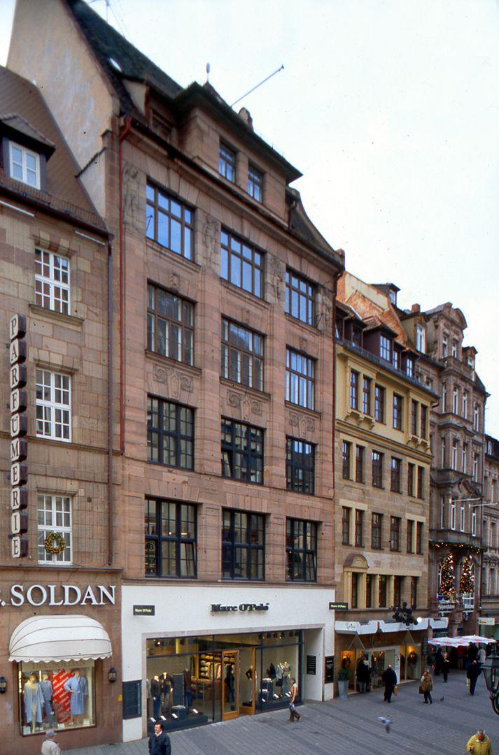 Geschäfts- und Bürohaus, Hefnersplatz 7 Gesamtansicht