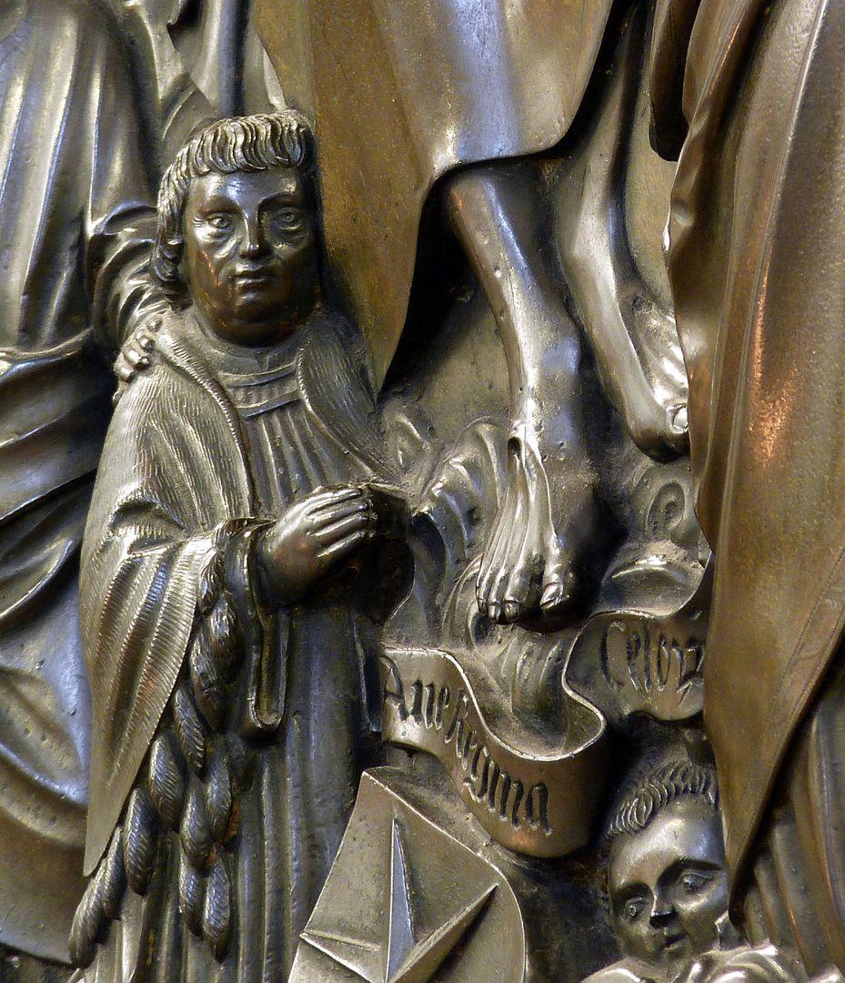 Epitaph des Propstes Henning Göden (gest. 1521) Detail Propst mit Filakterie (Ave Regina Celorum)