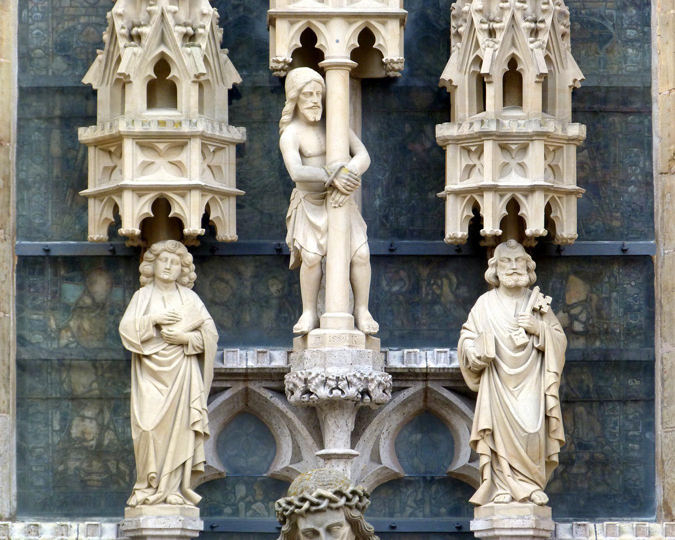 """Erbärmdechristus mit Dreiergruppe (Rothenburg o.d. Tauber) """"Christus an der Geißelsäule, Johannes d.E. und Petrus"""", Detail"""