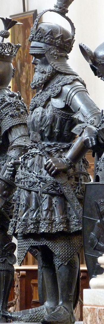 Ernst der Eiserne (Innsbruck) Gesamtansicht von links