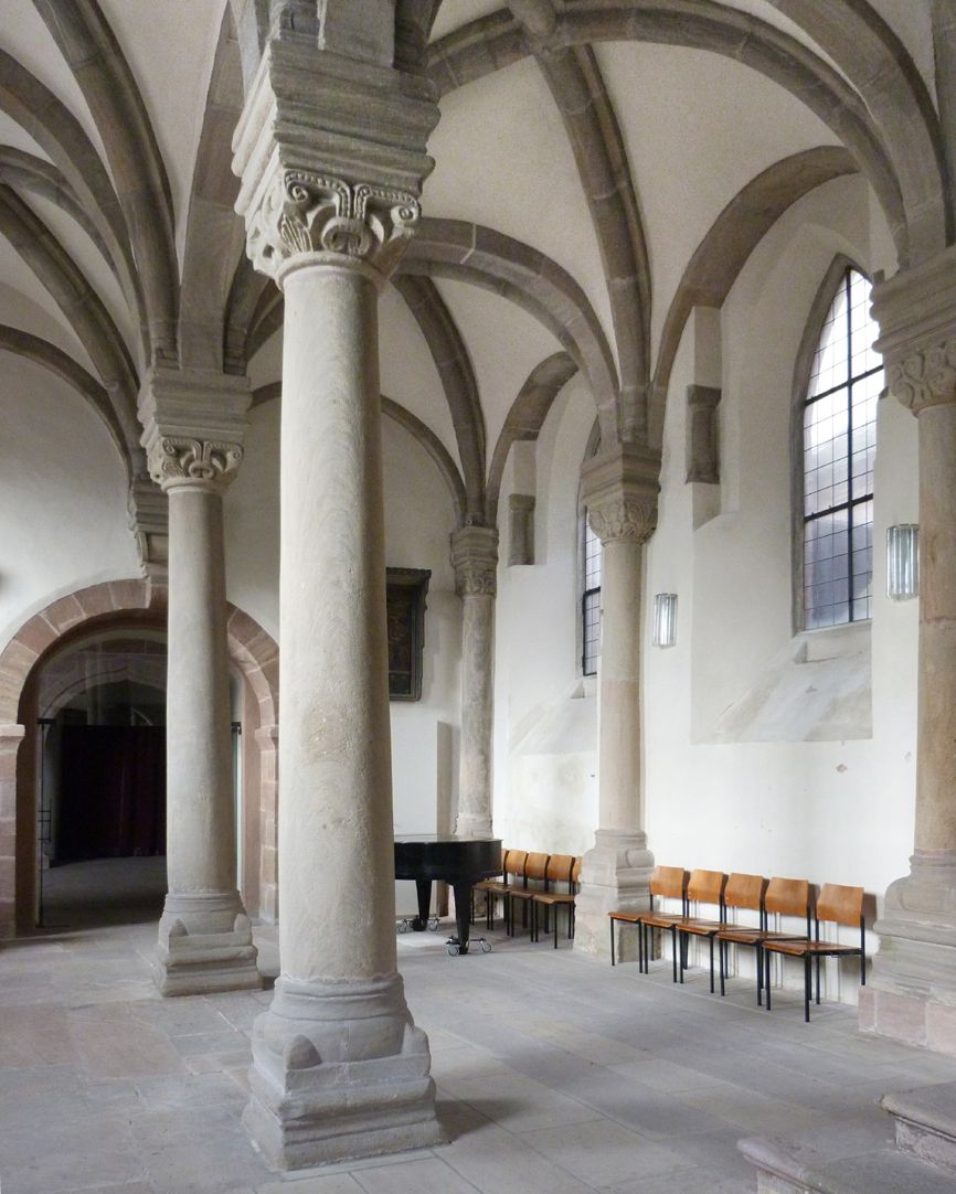 Euchariuskapelle Blick in das nördliche Seitenschiff