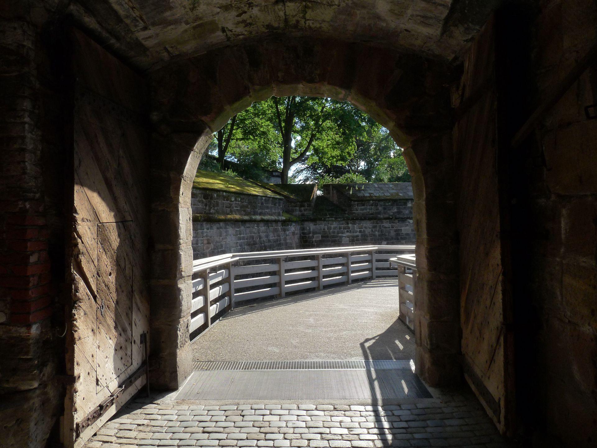Stadtbefestigung von Fazuni Vestnertorbastei, Eingang